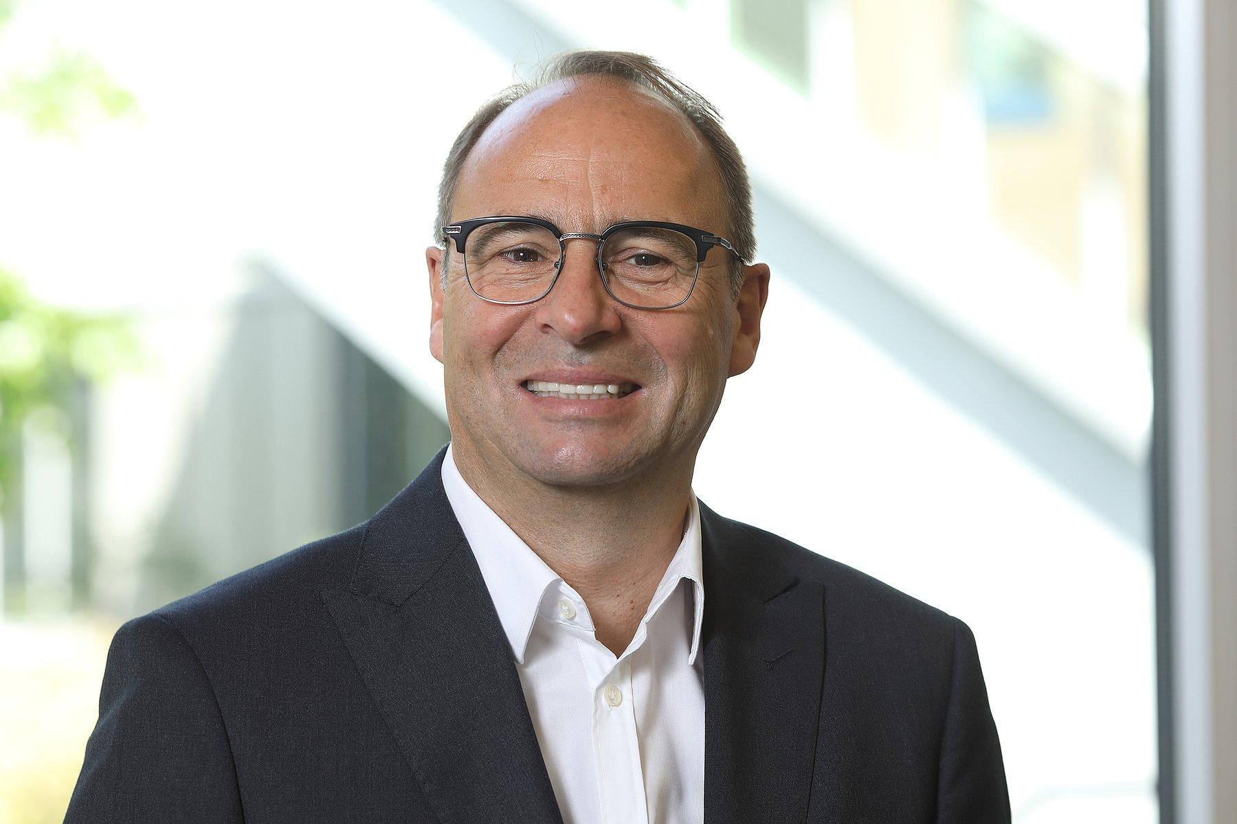 Portrait von Roland Kottke, dem neuen Direktor der Hessing Stiftung